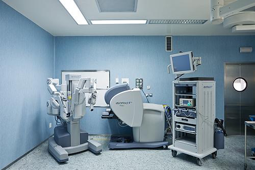 La cirugía robótica reduce la estancia hospitalaria en una media de 3 días