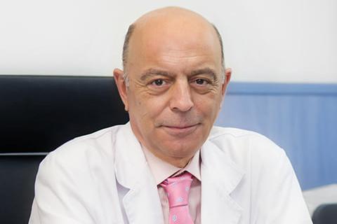 La revista Forbes destaca al doctor Eldiberto Fernández como uno de los mejores especialistas en urología